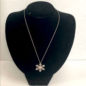 BNWOT • 925 ITALY - large snowflake ❄️ necklace
